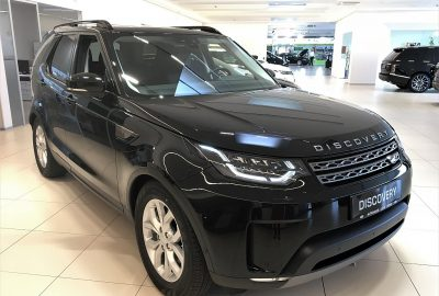 Land Rover Discovery 5 2,0 SD4 SE Aut. 7 Sitze bei Autohaus Lehr GmbH in